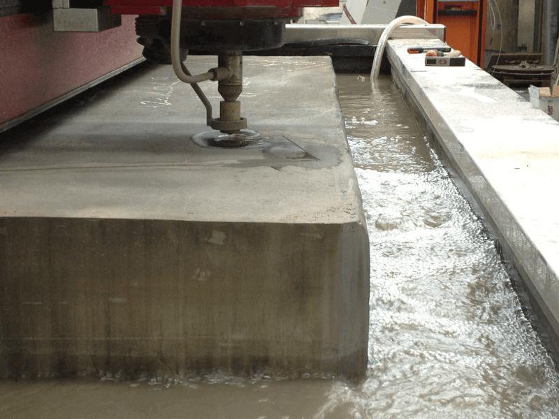 Технология гидроабразивной резки: плюсы и минусы
