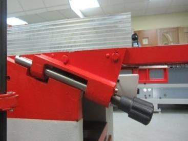 Фуговально-рейсмусовые станки мод. КАД-320, КАД-400, регулировка фуговального стола на выходе
