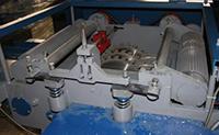 Подача заготовки кромкообрезного станка ДКО-55М