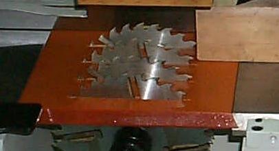 Четырехсторонний станок Beaver 620, подающий и рабочие столы прошли специальную термическую обработку