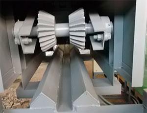 Прижимные рябухи бревнопильного станка для распиловки бревен СПР-320К-М