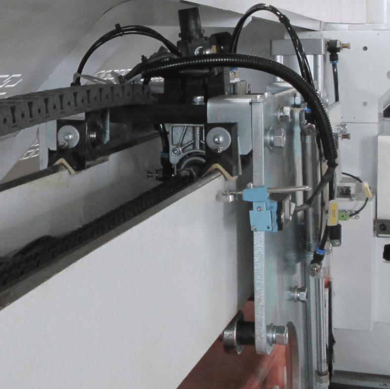 скотч двухсторонний шириной 330 мм рулонный