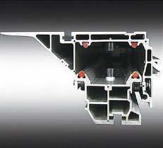 Форматно-раскроечный станок премиум-класса HARVEY J-30, пильная каретка собственного производства обладает самой большой шириной в классе