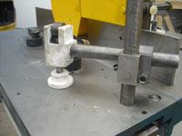 Фрезерный станок с шипорезной кареткой ФСШ-1А (К), фиксирование заготовки при помощи маховика