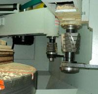 Копировально-фрезерный QUADRO LH-60-4PS, LH-80-4PS, LH-100-4PS, LH-120-4PS - Редактирование, на фрезерных узлах можно изменять направление вращения инструмента