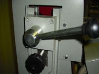 Круглошлифовальный двухленточный станок FS-80B2, регулировка ленты