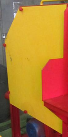 Торцовочный станок для бревен ТСБ-350, удобная установка пилы за счет быстрого снятия защитного кожуха