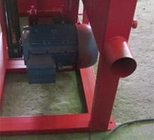 Торцовочный станок для бревен ТСБ-350, аспирационный патрубок для удаления продуктов резания