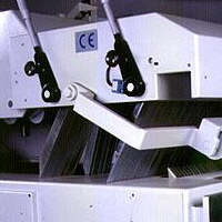 Двухвальный многопильный станок QUADRO MRS-700, 5-ти рядная когтевая защита