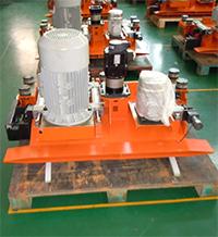 Раскроечный центр с задней загрузкой FILATO NPL-330H серии INDUSTRIAL, Пильная каретка