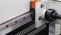 Раскроечный центр с задней загрузкой FILATO NPL-330H серии INDUSTRIAL, Плоские направляющие форматно-раскроечного центра