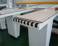 Раскроечный центр с задней загрузкой FILATO NPL-330H серии INDUSTRIAL, Рабочие загрузочные столы фоматно-раскроечного центра