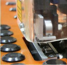 Станок для снятия свесов Filato FL - 92/2, Верхний и нижний роликовый прижим