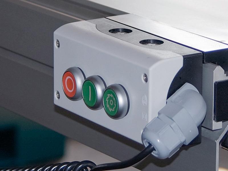 Форматно-раскроечный станок мод. «MARTIN T-65», Германия, Кнопки включения/выключения на каретке