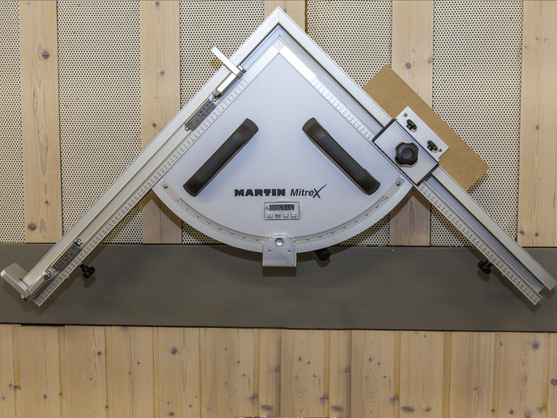 Форматно-раскроечный станок мод. «MARTIN T-70», Германия, Спаренный угловой упор с цифровым индикатором угла